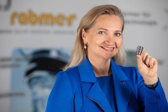 Ulrike Rabmer Koller mit dem Ecoturbino